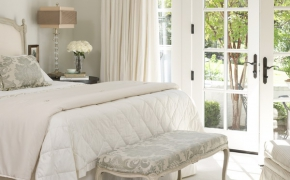Окна в английском стиле в спальне
