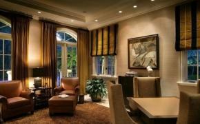 Окна в английском стиле в гостиной