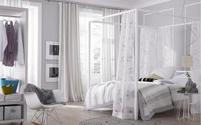 Белые шторы в спальне