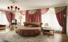 Шторы для спальни со множеством окон