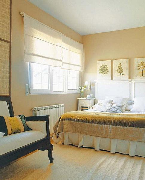 классические шторы в интерьере спальни