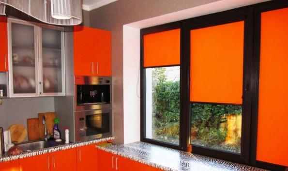 Кассетные шторы в интерьере кухни