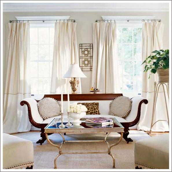Белые портьеры в гостиной