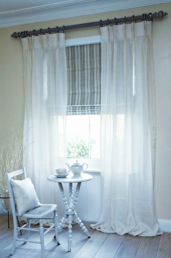 Льняные шторы в интерьере гостиной