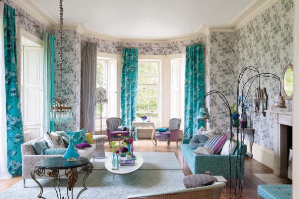 Бирюзовые шторы в интерьер гостиной