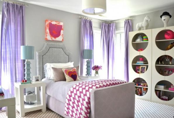Сиреневые шторы в интерьере спальни