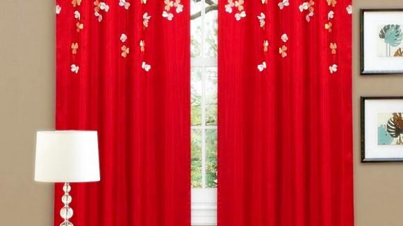 Красные шторы в интерьере спальни, кухни, гостиной